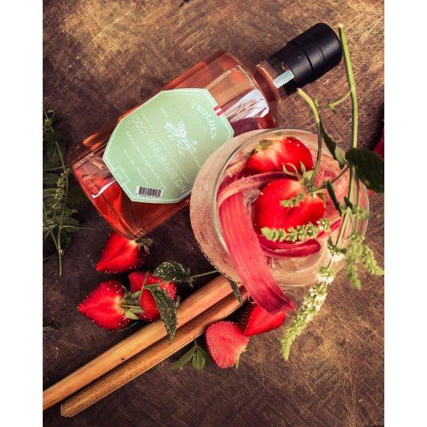 Gin Rhubarb